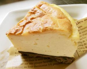 自家製クリームチーズのチーズケーキ